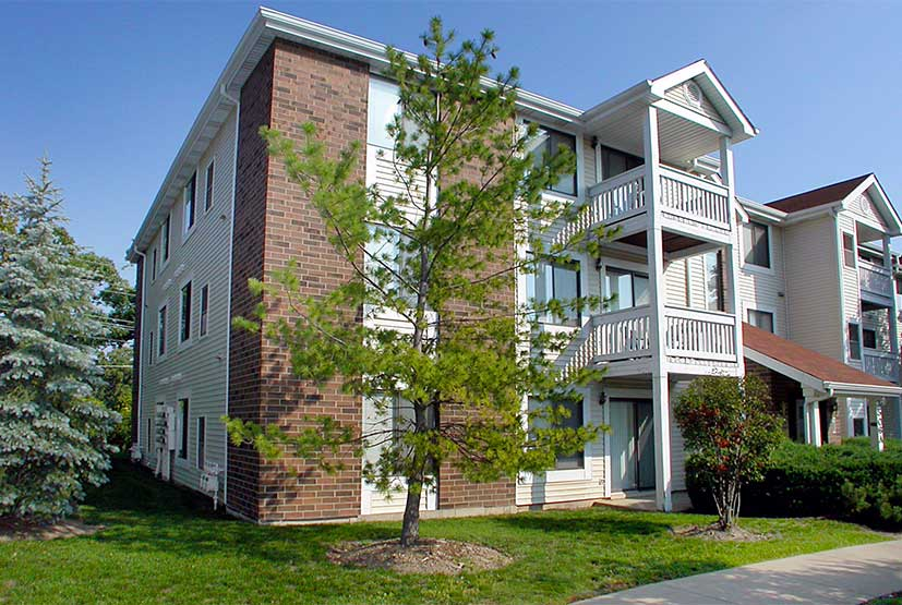 The Woodlands On Green Bay Apartment Community Offers 1, 2 And 3 Bedroom  Apartments In A Beautiful Woodstock Setting.